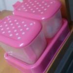 100円ショップキッチンの水玉の調味料ケース