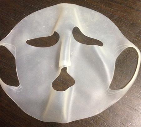 百均のシリコーン 潤マスク