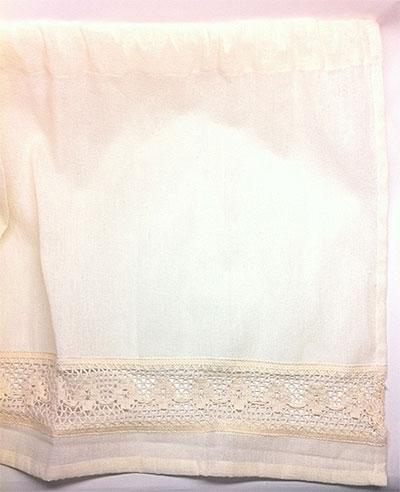 100円ショップのカーテン