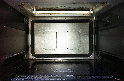 100円ショップのセスキ炭酸ソーダで電子レンジを掃除してみました